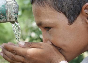 Nhiễm ammonium ở mức cao là dấu hiệu nguồn nước bị ô nhiễm, nhất là nhiễm một số chất hữu cơ có thể gây hại cho sức khoẻ con người. Vấn đề là phải khảo sát sự ô nhiễm này một cách toàn diện, chứ không chỉ nhắm vào ammonium như một tác nhân tiềm năng ung thư.